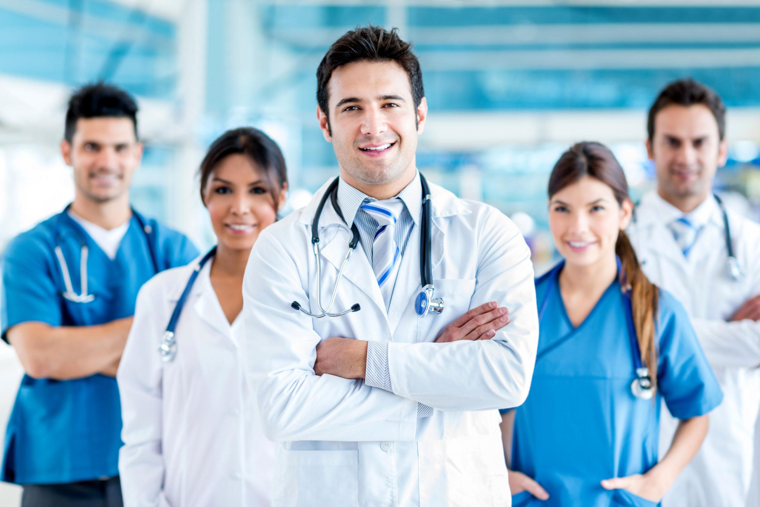 Clínicas e Médicos